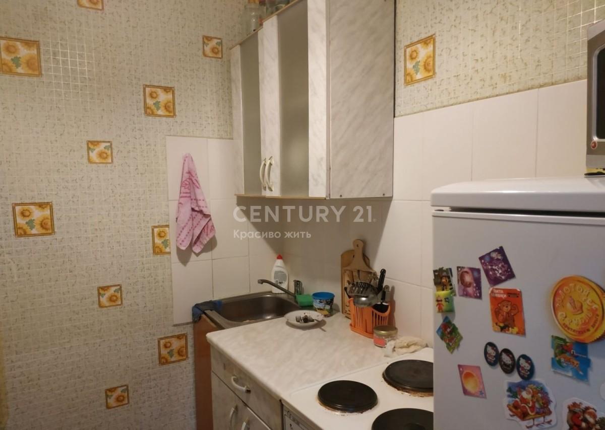 Квартира на продажу по адресу Россия, Алтайский край, Новоалтайск, ул. Гагарина, 20